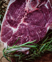 Českou biopotravinou roku 2018 se stal hovězí steak z Mitrovského dvora